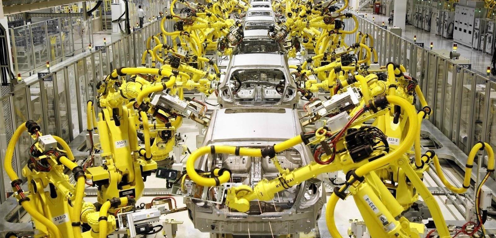 Cánh tay robot trong sản xuất ô tô
